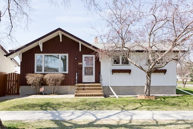 300 Edward Ave W - West Transcona HOUSE for sale, 3 Bedrooms (V779574)