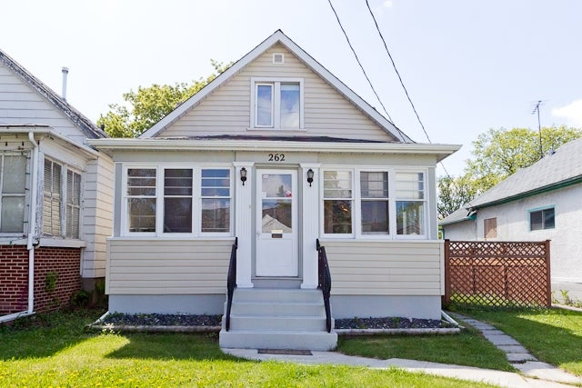 262 Metcalfe Ave - Norwood HOUSE for sale, 2 Bedrooms (R2072039)