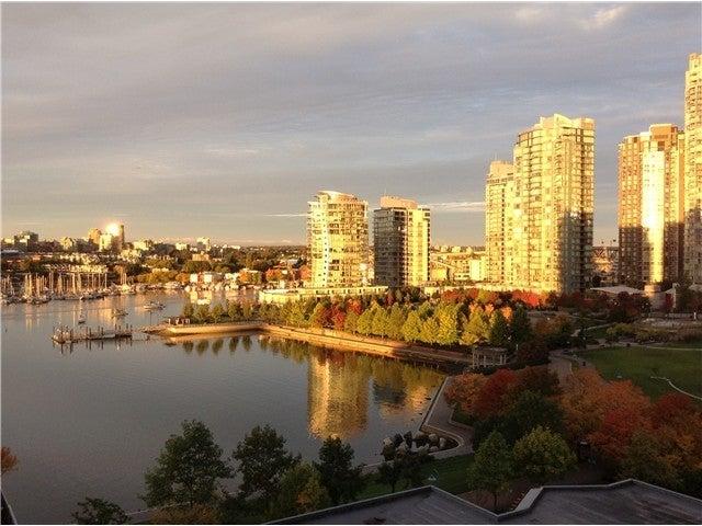 THE COLUMBUS   --   1383 MARINASIDE CR - Vancouver West/Yaletown #1