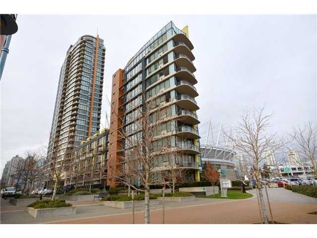 COOPER'S VILLA   --   9 SMITHE ME - Vancouver West/Yaletown #1