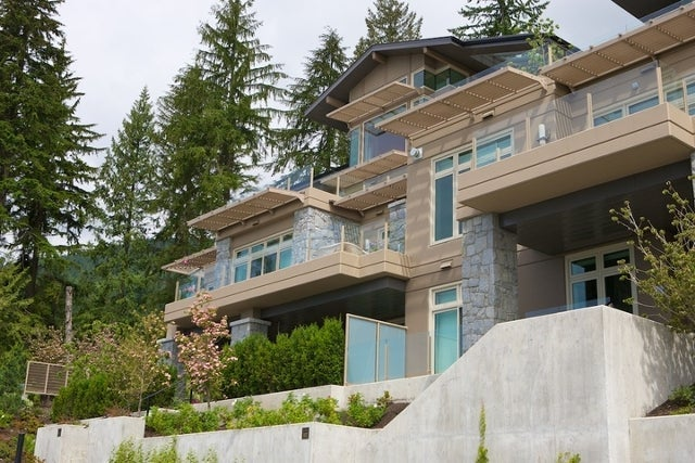 Aerie II   --   2575 GARDEN CT - West Vancouver/Whitby Estates #5