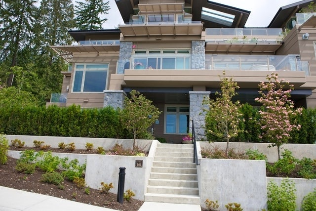 Aerie II   --   2575 GARDEN CT - West Vancouver/Whitby Estates #6