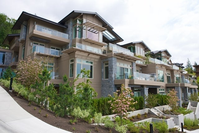 Aerie II   --   2575 GARDEN CT - West Vancouver/Whitby Estates #7