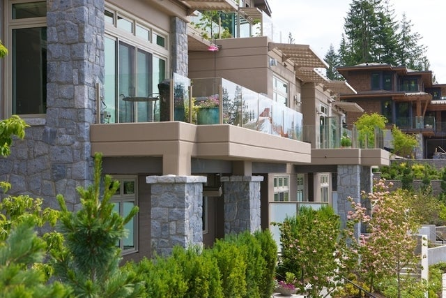 Aerie II   --   2575 GARDEN CT - West Vancouver/Whitby Estates #13