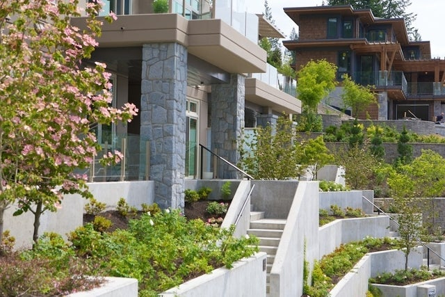 Aerie II   --   2575 GARDEN CT - West Vancouver/Whitby Estates #16