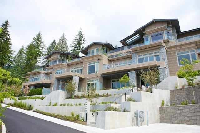 Aerie II   --   2575 GARDEN CT - West Vancouver/Whitby Estates #18