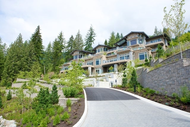 Aerie II   --   2575 GARDEN CT - West Vancouver/Whitby Estates #20