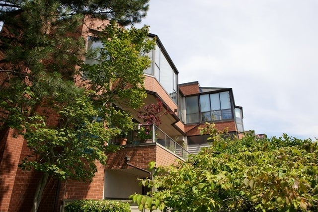 Regency Place   --   2408 HAYWOOD AV - West Vancouver/Dundarave #13