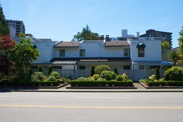 n/a   --   2030 - 2040 MARINE DR - West Vancouver/Ambleside #4