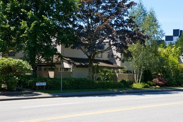 n/a   --   2030 - 2040 MARINE DR - West Vancouver/Ambleside #5