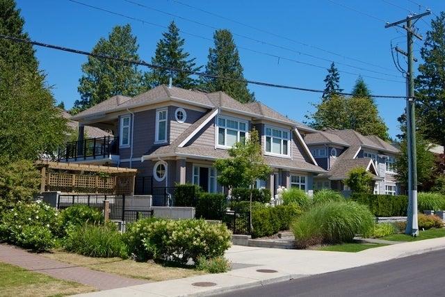 Stonethro   --   2115 - 2133 GORDON AV - West Vancouver/Dundarave #1