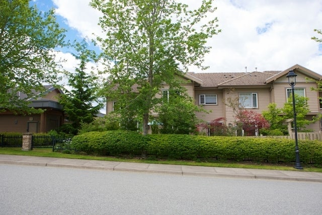 Oliver's Landing   --   1 - 56 Beach Drive - West Vancouver/Furry Creek #2