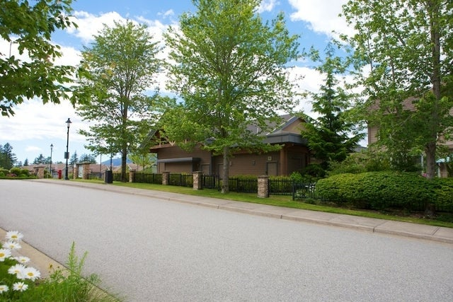 Oliver's Landing   --   1 - 56 Beach Drive - West Vancouver/Furry Creek #3