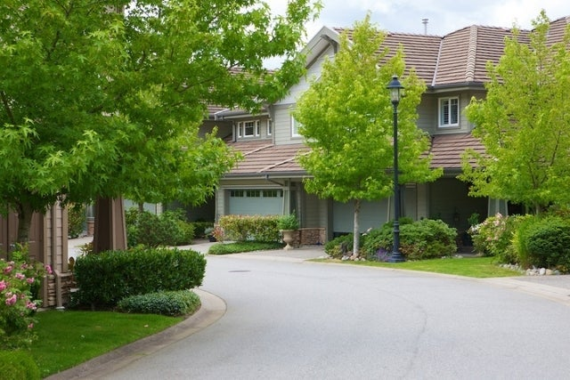 Oliver's Landing   --   1 - 56 Beach Drive - West Vancouver/Furry Creek #15