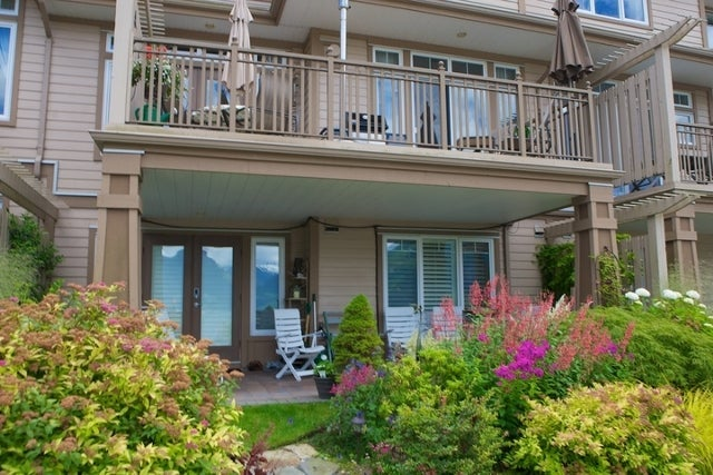 Oliver's Landing   --   1 - 56 Beach Drive - West Vancouver/Furry Creek #28