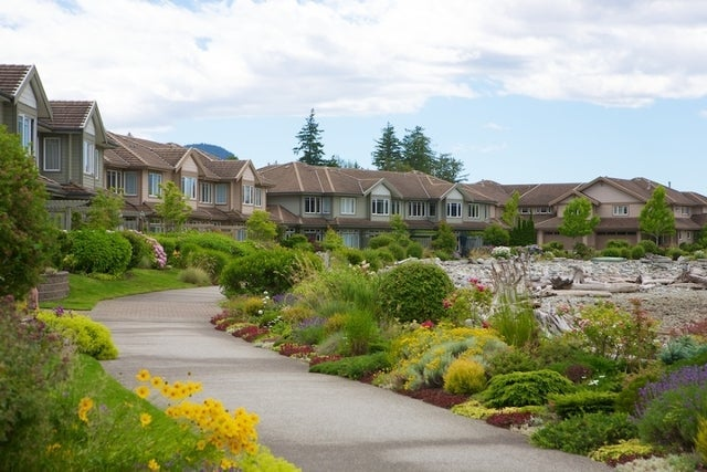 Oliver's Landing   --   1 - 56 Beach Drive - West Vancouver/Furry Creek #32