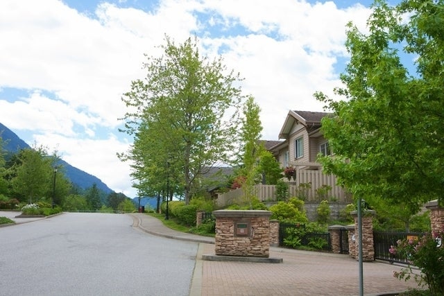 Oliver's Landing   --   1 - 56 Beach Drive - West Vancouver/Furry Creek #37