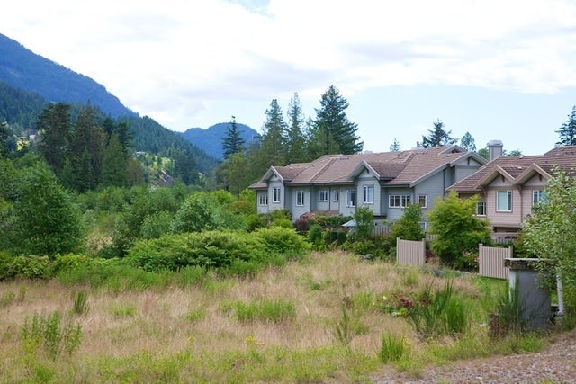 Oliver's Landing   --   1 - 56 Beach Drive - West Vancouver/Furry Creek #40