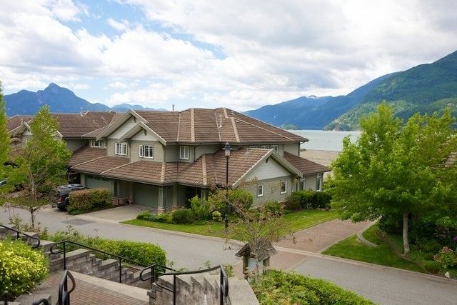 Oliver's Landing   --   1 - 56 Beach Drive - West Vancouver/Furry Creek #45