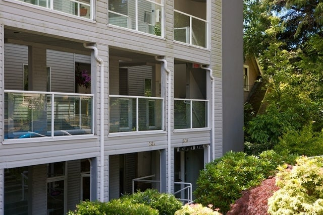 2412 Haywood Ave   --   2412 HAYWOOD AV - West Vancouver/Dundarave #13