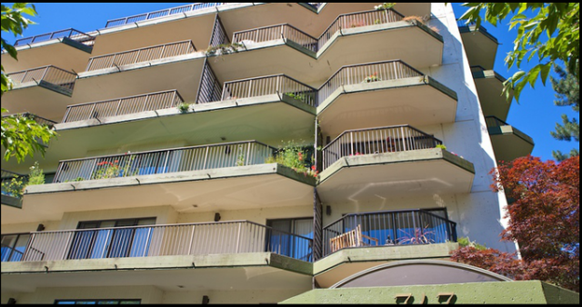 Wesmoor   --   747 17TH ST - West Vancouver/Ambleside #2