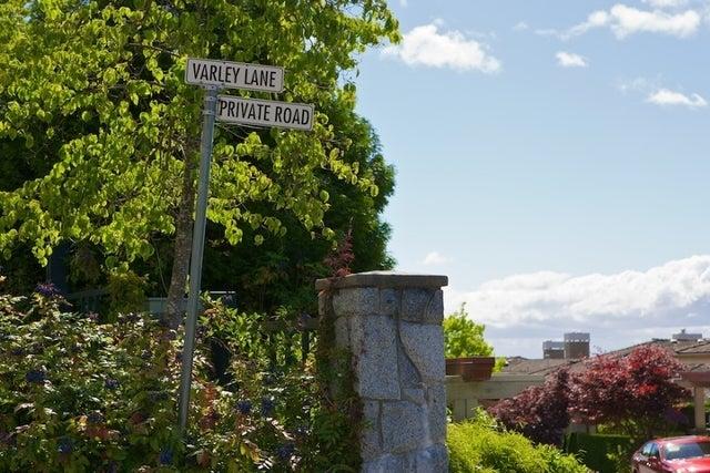 Salishan   --   2466 - 2490 VARLEY LN - West Vancouver/Panorama Village #5