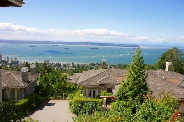 Salishan   --   2466 - 2490 VARLEY LN - West Vancouver/Panorama Village #14