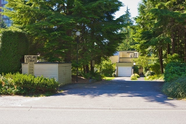 312 - 318 Keith Road   --   312 - 318 KEITH RD - West Vancouver/Park Royal #1