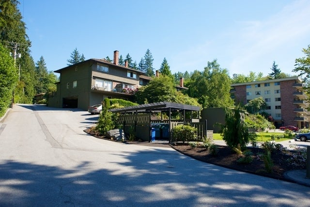 Spuraway Gardens   --   235 KEITH RD - West Vancouver/Cedardale #2