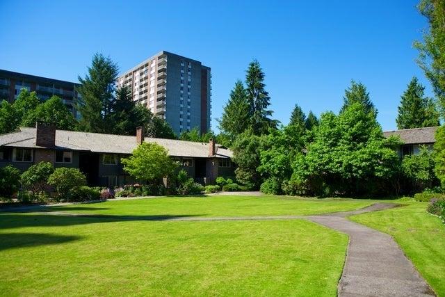 Spuraway Gardens   --   235 KEITH RD - West Vancouver/Cedardale #12