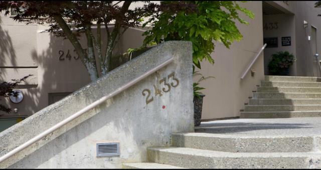 2433 Bellevue Ave   --   2433 BELLEVUE AV - West Vancouver/Dundarave #1