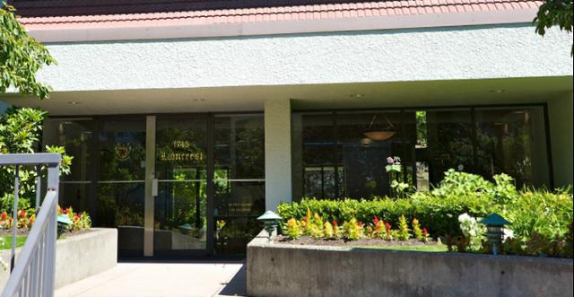 Lioncrest   --   1745 ESQUIMALT AV - West Vancouver/Ambleside #7