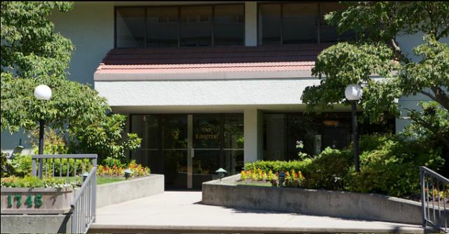 Lioncrest   --   1745 ESQUIMALT AV - West Vancouver/Ambleside #9
