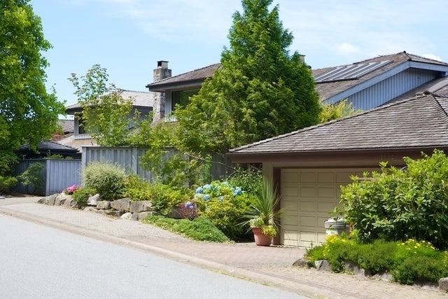 Sahalee   --   5138 - 5192 MEADFEILD RD - West Vancouver/Upper Caulfeild #19