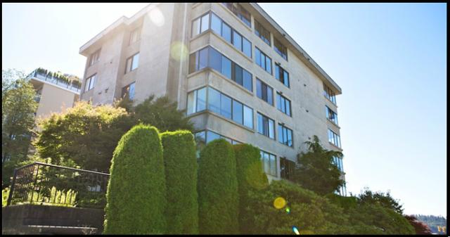 Tiffany Court   --   460 14TH ST - West Vancouver/Altamont #10