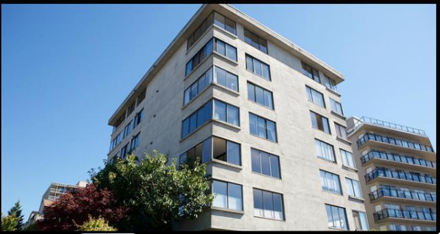 Tiffany Court   --   460 14TH ST - West Vancouver/Altamont #2