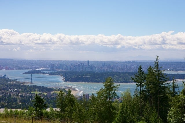 Properties   --   2225 - 2285 TWIN CREEL PL - West Vancouver/Whitby Estates #2