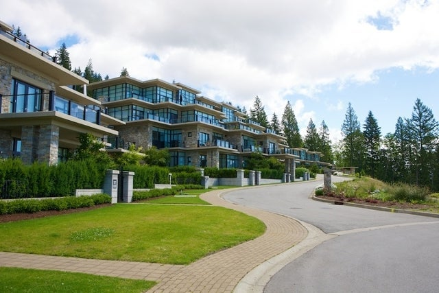 Properties   --   2225 - 2285 TWIN CREEL PL - West Vancouver/Whitby Estates #8