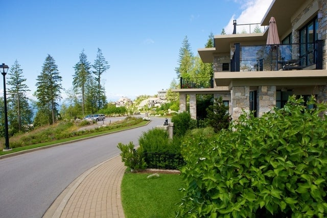 Properties   --   2225 - 2285 TWIN CREEL PL - West Vancouver/Whitby Estates #14