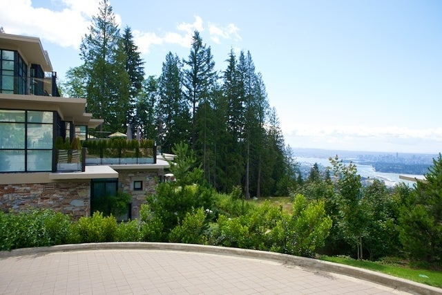 Properties   --   2225 - 2285 TWIN CREEL PL - West Vancouver/Whitby Estates #15