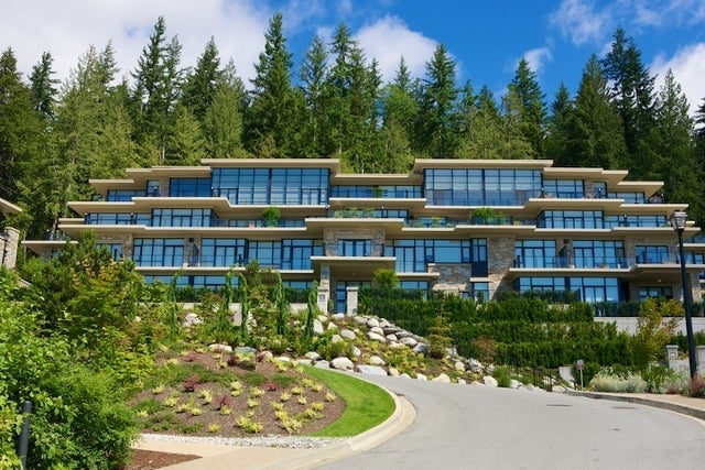 Properties   --   2225 - 2285 TWIN CREEL PL - West Vancouver/Whitby Estates #16