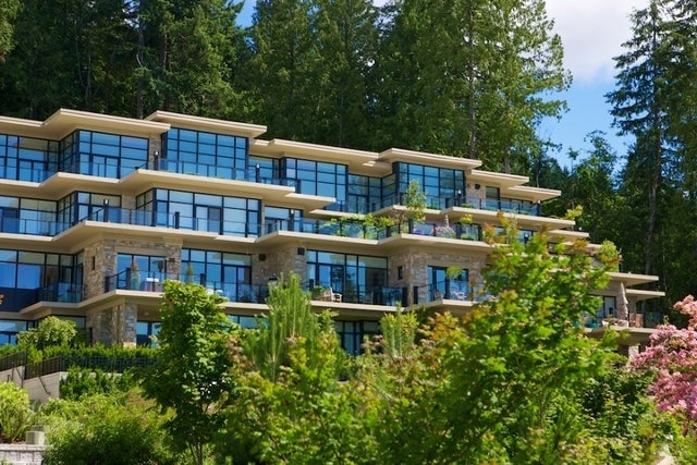 Properties   --   2225 - 2285 TWIN CREEL PL - West Vancouver/Whitby Estates #20