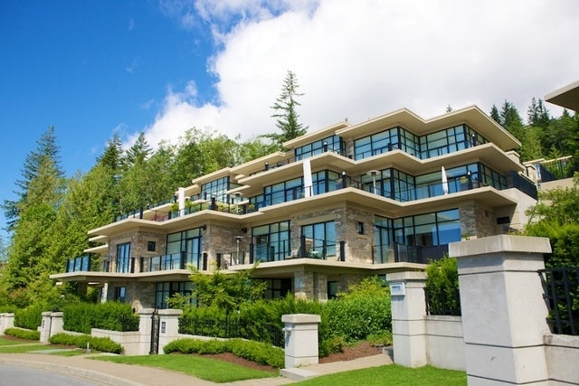 Properties   --   2225 - 2285 TWIN CREEL PL - West Vancouver/Whitby Estates #24