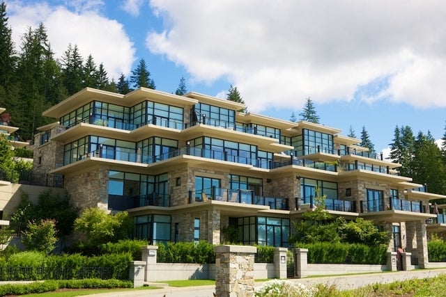 Properties   --   2225 - 2285 TWIN CREEL PL - West Vancouver/Whitby Estates #27
