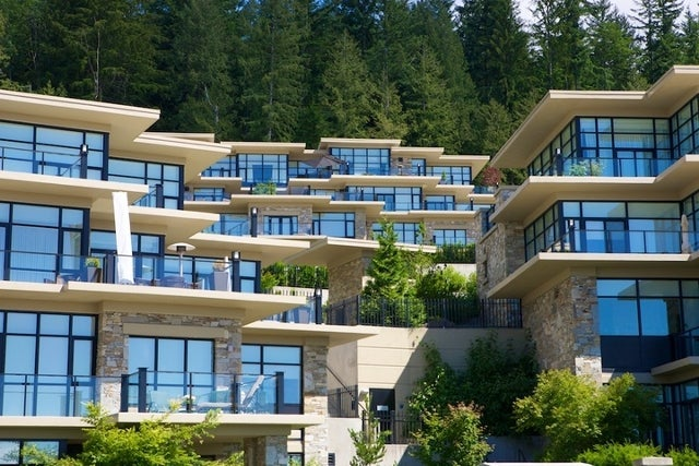 Properties   --   2225 - 2285 TWIN CREEL PL - West Vancouver/Whitby Estates #29