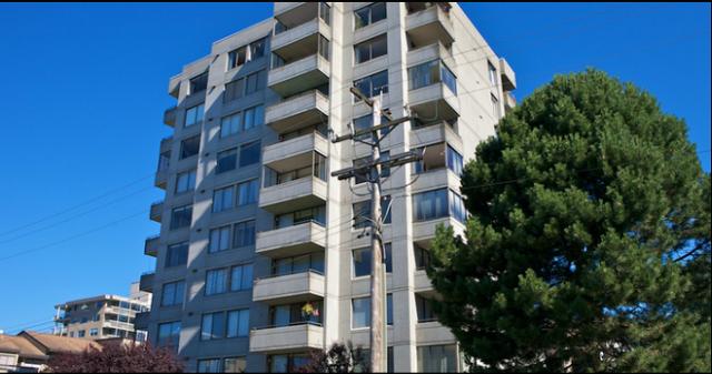 Clyde Gardens   --   1341 CLYDE AV - West Vancouver/Altamont #1