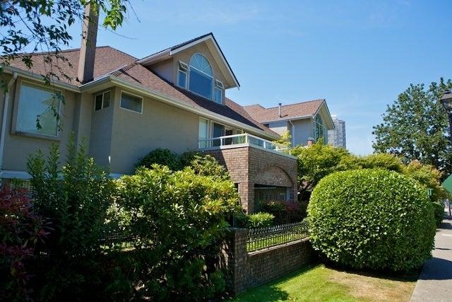 Lincoln Gardens   --   2110 - 2150 MARINE DR - West Vancouver/Dundarave #1