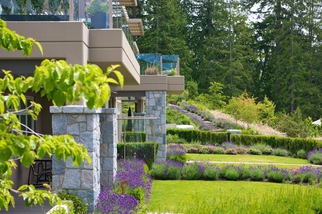 The Aerie   --   2535 GARDEN CT - West Vancouver/Whitby Estates #15