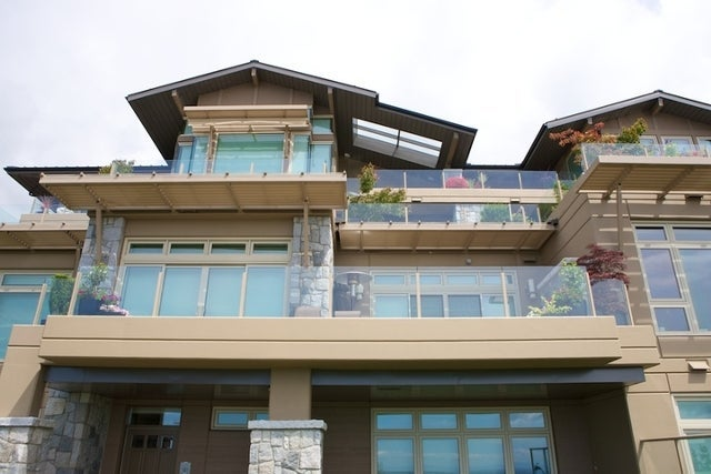 The Aerie   --   2535 GARDEN CT - West Vancouver/Whitby Estates #20