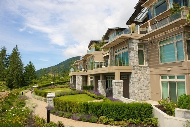 The Aerie   --   2535 GARDEN CT - West Vancouver/Whitby Estates #27